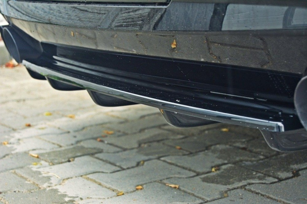CENTRAL REAR SPLITTER for BMW 5 F11 M-PACK (fits two double exhaust ends)